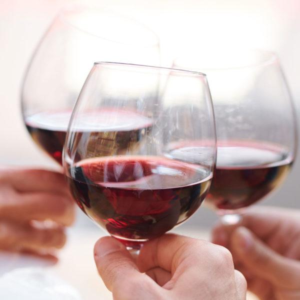 diferencia entre un crianza y un reserva en la esencia del vino matarromera