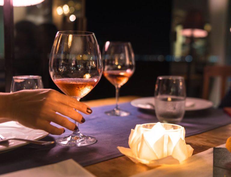 el vino y la mujer